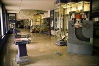 Музей при СШГЭС. Модель, показывающая принцип работы гидроагрегата
