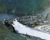 Неуправляемый сброс паводка 1979 года.